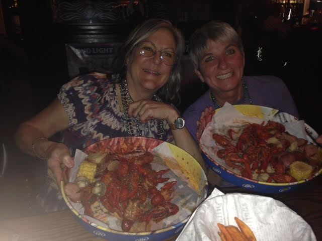 crawfish-with-julie-and-crystal